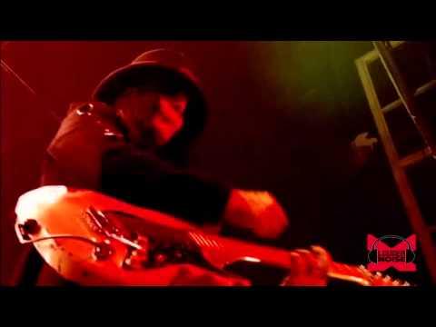 Motley Crue - Shout at the Devil (Live - Crue Fest)