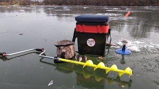 Первая рыбалка на жерлицы по первому льду. Зимняя Рыбалка 2018 - 2019