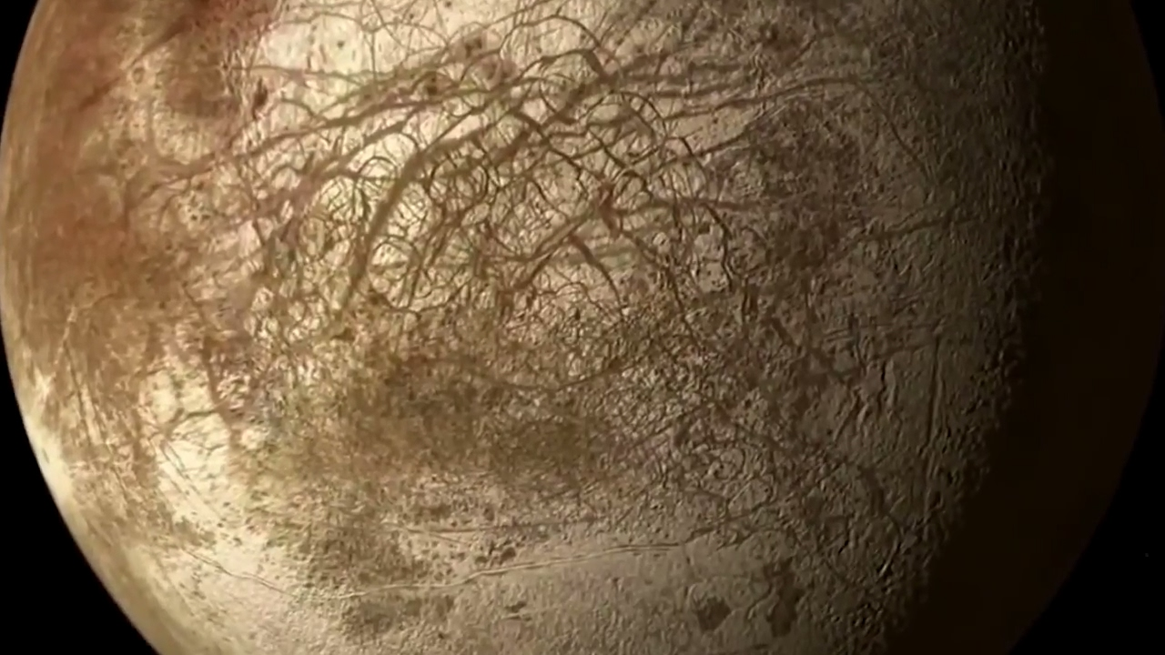 europa moon Europa is the sixth moon of jupiter and is one of its four largest this group of the four largest moons, collectively known as the galilean satellites, also includes ganymede, io and castillo europa is the smallest of these four.
