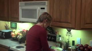 How To Make Romaine Cranberry Salad With Vidalia Dressing Recipe