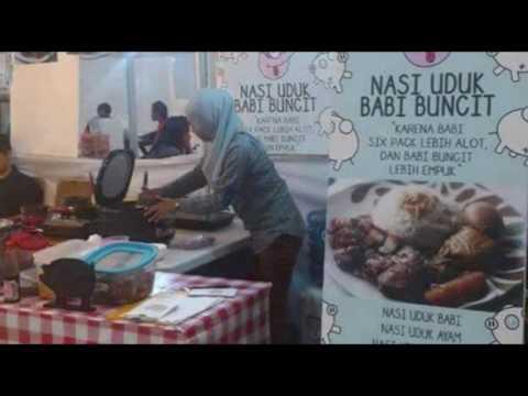 Pakai Jilbab, Penjual Nasi Uduk Babi Ini Gegerkan Netizen!