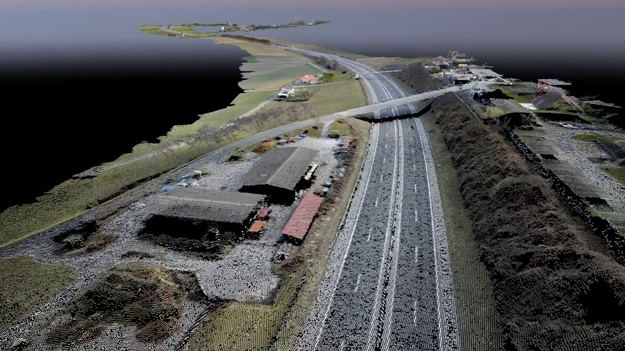 Digitized highway flythrough using drone mapping - Pix4D
