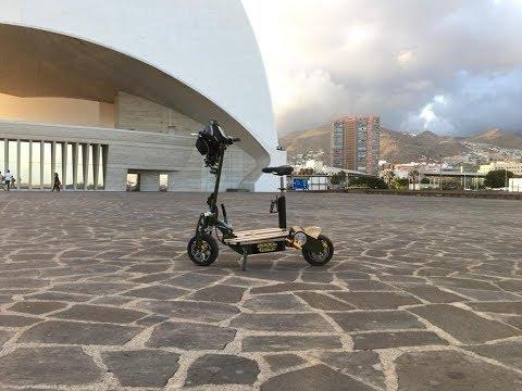 patineta electrico paseo en Santa Cruz Tenerife plaza y carretera
