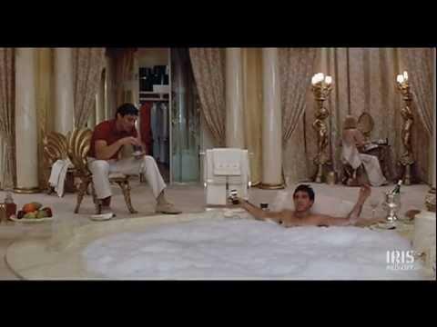 Scarface scena jakuzzi lo sai che significa capitalismo - Arma letale scena bagno ...