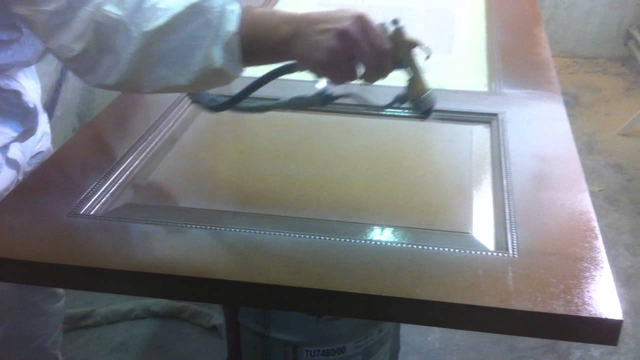 Mdf Door Spraying Lacquer With The Kremlin Air Mix Youtube