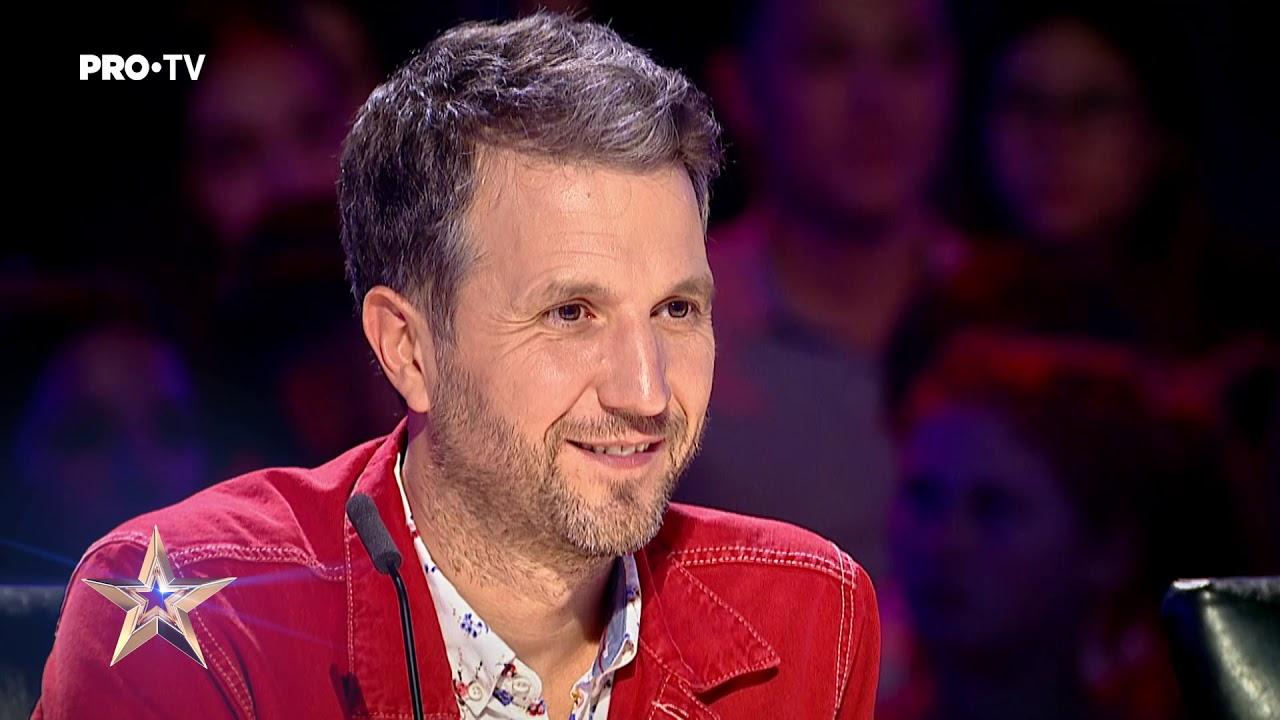 Incredibil ce dexteritată are la acordeon   Elvis Buruiană - Românii au Talent