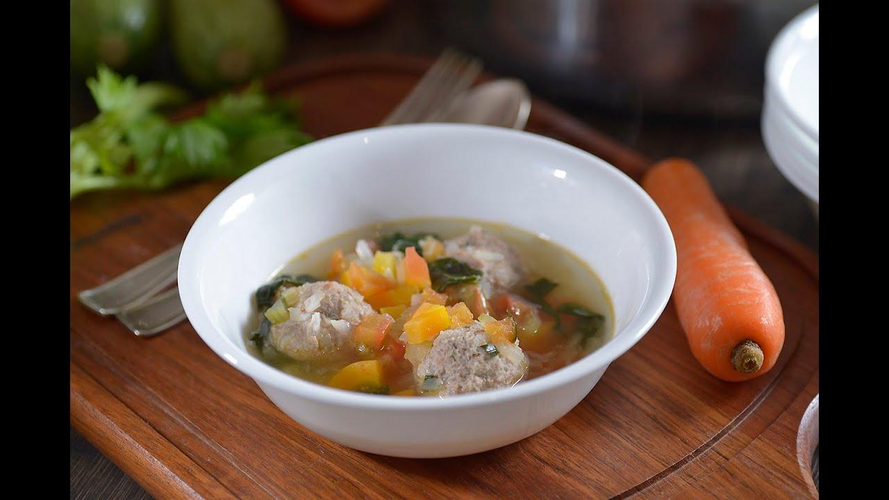 Caldo de alb ndigas con verduras receta f cil de - Albondigas con verduras ...