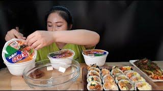 육개장 사발면 3개에 화이트 캡사이신 뿌려서 김밥 2줄이랑 맛있게 먹방 (feat.잘익은파김치) spicymukbang