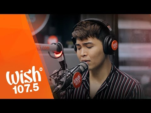 "Daryl Ong Performs ""Nais Kong Malaman Mo"" LIVE On WIsh 107.5 Bus"