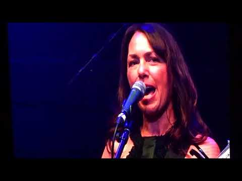The Bangles - Hazy Shade Of Winter - live - Honda Center - Anaheim CA - January 26, 2018