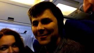 Катя, Дамир и я - кривляемся в самолете (Москва - Лондон)(, 2009-09-12T23:31:21.000Z)