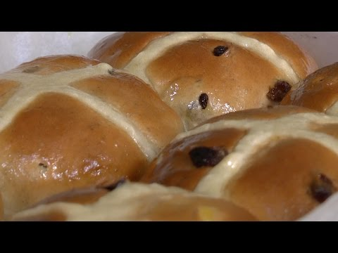 The ultimate hot cross bun recipe from the National Trust