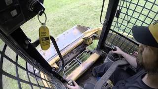How to run a caterpillar skid steer operate drive a 226b 232b 242 252 262 272 267 loader controls