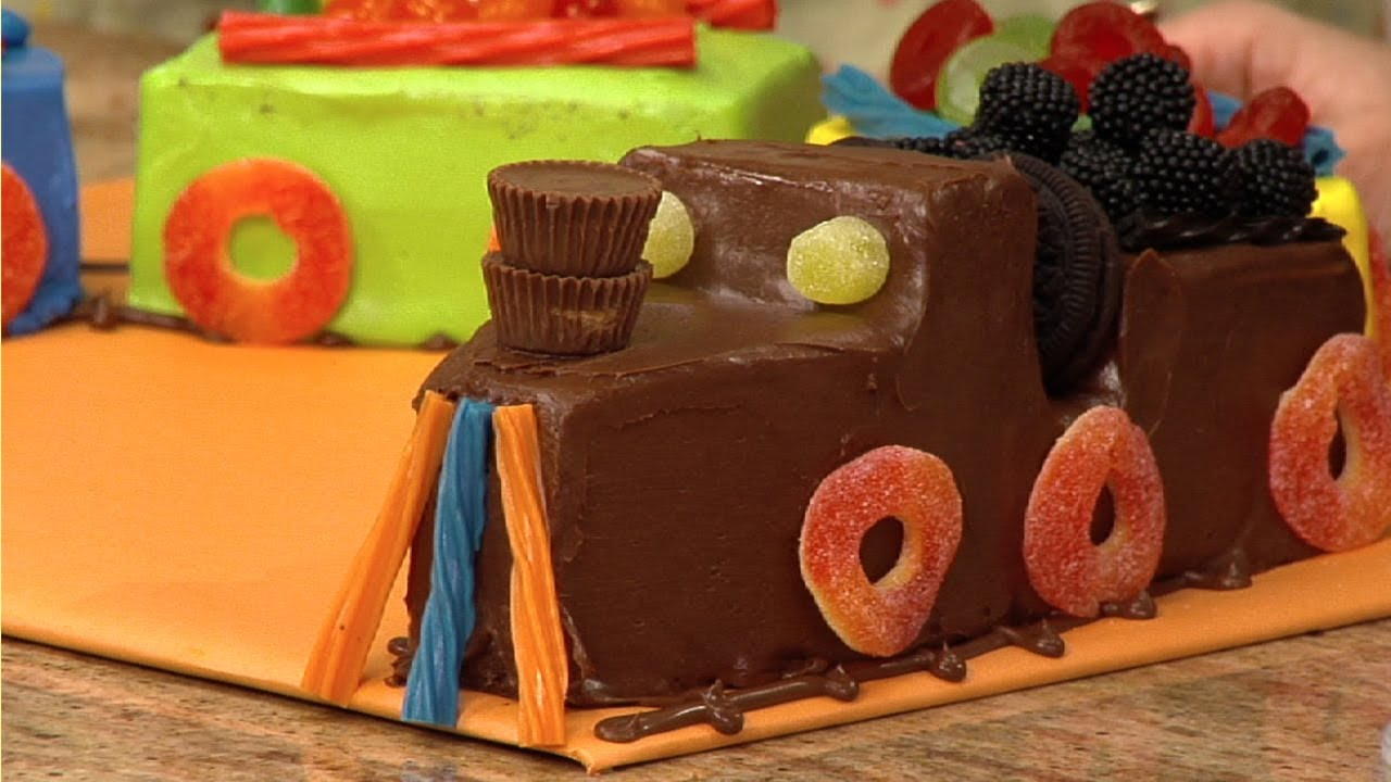 Make Train Cake Video