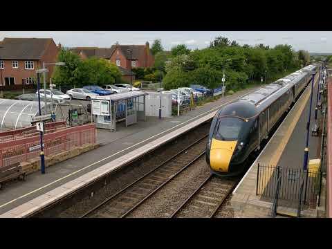 Class 800 filmed at honeybourne station