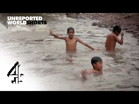 The River of Rubbish | Unreported World Shorts | Channel 4