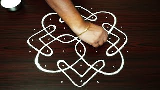 how to draw sikku kolam with 7 dots - melikala muggulu designs with dots - easy rangoli