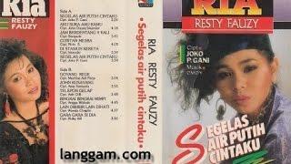 Video Ria Resty Fauzi   Rinduku Tiada Yang Tahu || Lagu Lawas Nostalgia || Tembang Kenangan Indonesia download MP3, 3GP, MP4, WEBM, AVI, FLV Juni 2018