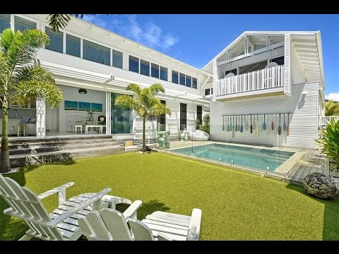 Elegant Beachfront Home in New South Wales, Australia