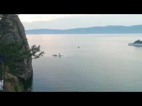 На Байкале утонул самолет, катавший туристов