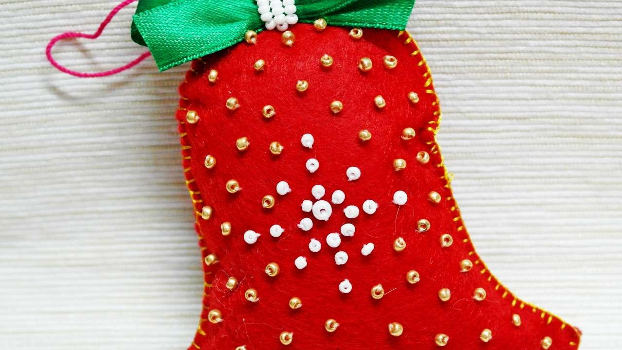 Christmas Bell Decoration Craft | Billingsblessingbags.org