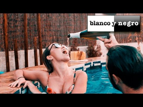Albert González Feat. Marcella Precise - Summer Nights (Official Video)