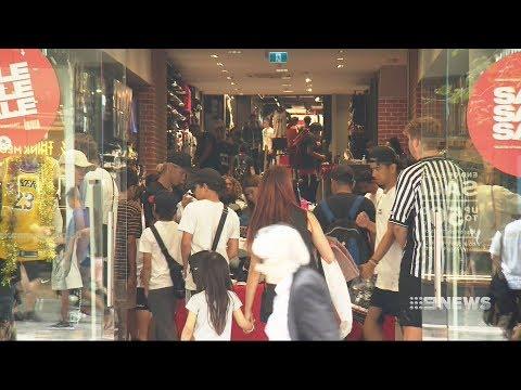 Shopping Chaos | 9 News Perth