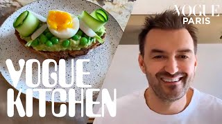 Exclusively for vogue paris, chef cyril lignac filmed his recipe avocado toast so you can stay home and upgrade this lunchtime favorite. easy, healthy an...