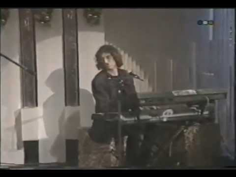 *SAY NO MORE* Charly Garcia ((en Hola Susana 95))