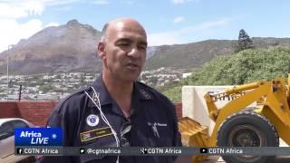 Firefighters in the Western Cape battle raging fires