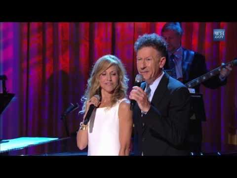 """Sheryl Crow and Lyle Lovett - """"I'll Never Fall In Love Again"""" 