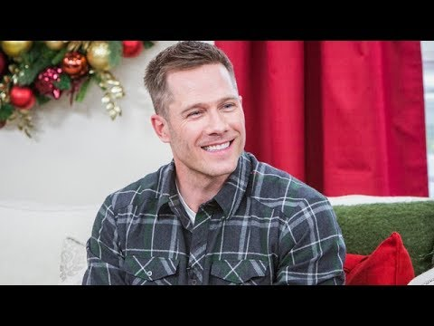 A Shoe Addicts Christmas.Highlights A Shoe Addicts Christmas Star Luke Macfarlane Hallmark Channel