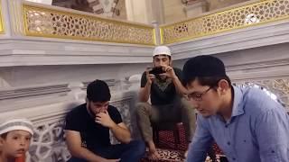 Чеченец очень красиво читает  Коран