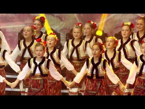 Traditional Romanian Dance - 'Trupa DINAMIC' - Romania / Romania 2016