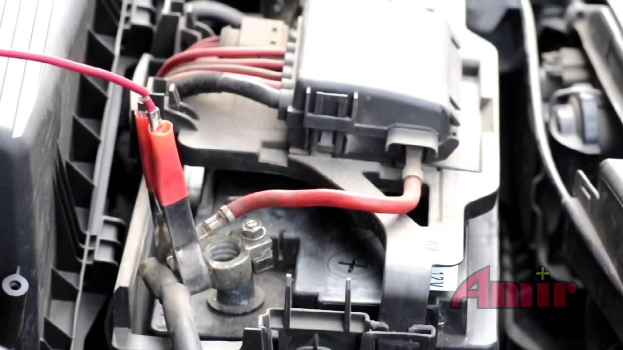 Wspaniały Wymiana akumulatora w VW Golf IV - YouTube XZ04