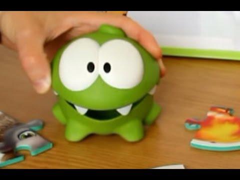 Ам ням игрушка www. Omnomtoys. Com купить на официальном сайте. В игре my om nom у него появляется подруга ам няша. В cut the rope 2 он.