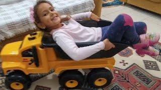 Elife dev kamyon eğlenceli çocuk videosu