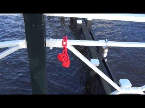 Valentijn hangslot aan brug groningen