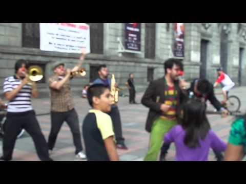 Triciclo Circus Band - No corro, no grito, no empujo