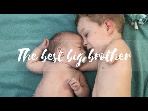 Camden Doesn't Let His Limb Difference Stop Him From Being A Great Big Brother