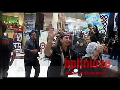 GOYANG BANG PILUN DI BTM (BANDUNG TRADE MALL)