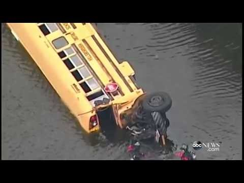 School Bus Crash | Student Helps Save Kindergarteners