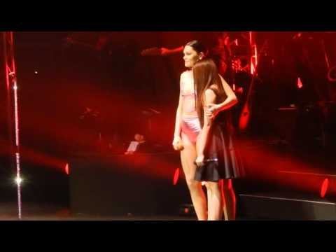 Who You Are - Jessie J w/ Morissette Amon ( Jessie J : Live in Manila )