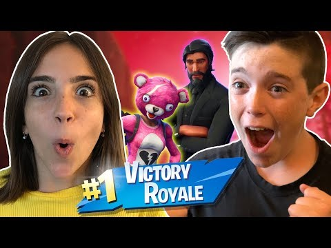 VICTORY ROYALE WITH MY SISTER!!! (Miss Bee)