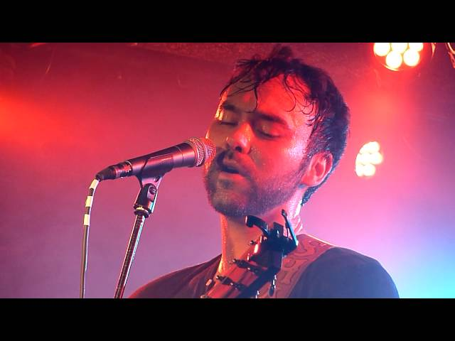 shakey-graves-stereotypes-of-a-blue-collar-male-hard-wired-live-at-backstage-by-the-mill-mandise
