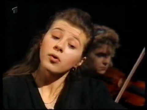 Anna Kravtchenko-Mozart Concerto KV 466-Imov. Gerd Albrecht,Bremen Symphony Orchestra