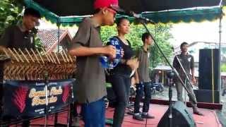 Gambar cover Dikiro Preman Angklung Ermaka Nada Percussion