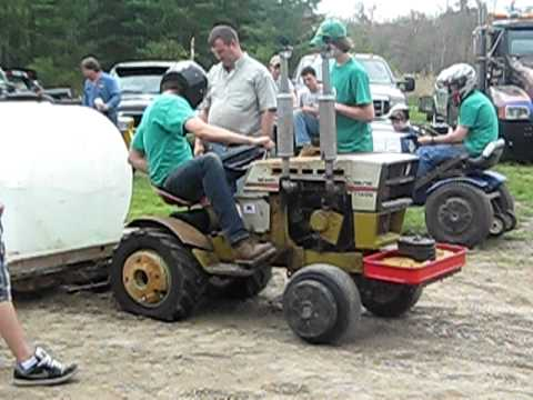 Sears Suburban SS16 Tractor Pulling  YouTube
