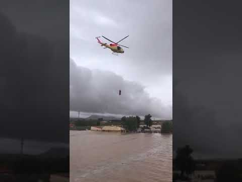 VÍDEO | Rescatan en helicóptero a un matrimonio de ancianos en Caudete