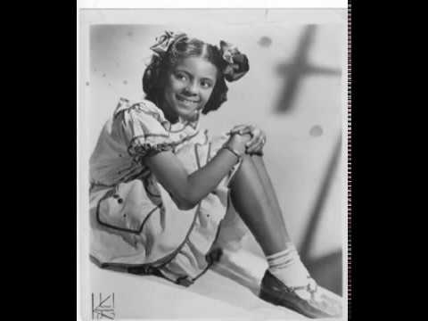 Leslie Uggams 1954 Christmas   The Fat Fat Man with the White White Beard